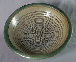 Bowl by Oliver Peter-Contesse